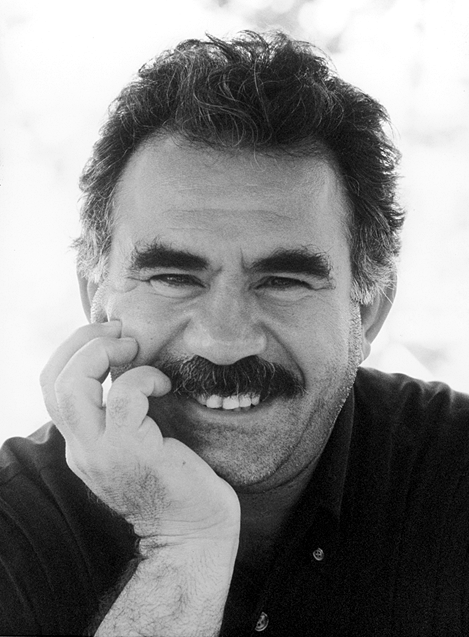 a-o-abdullah-ocalan-as-doencas-do-caos-estao-se-al-1.png